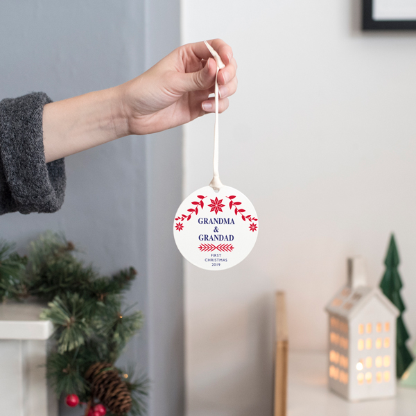 A Christmas To Remember 2019.Personalised New Grandparent S First Christmas Bauble